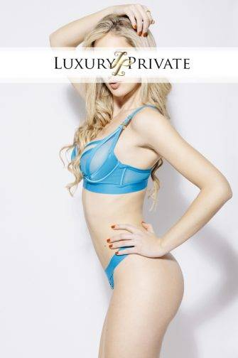 Luxury Private Beatriz 6